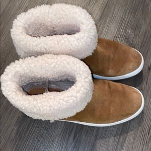 UGG brown suede with fur booties